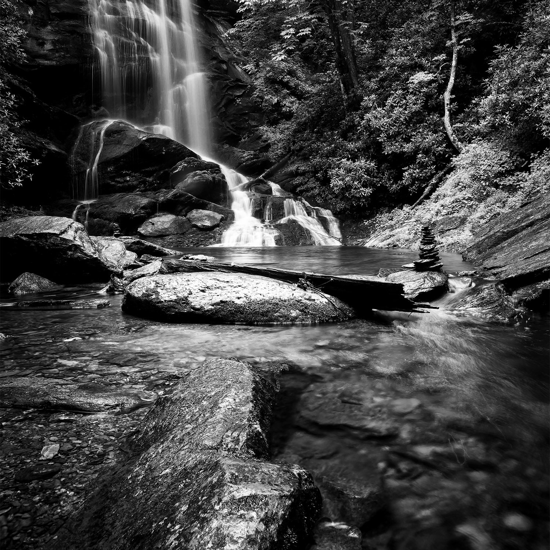 DP00037 | Waterfall BW
